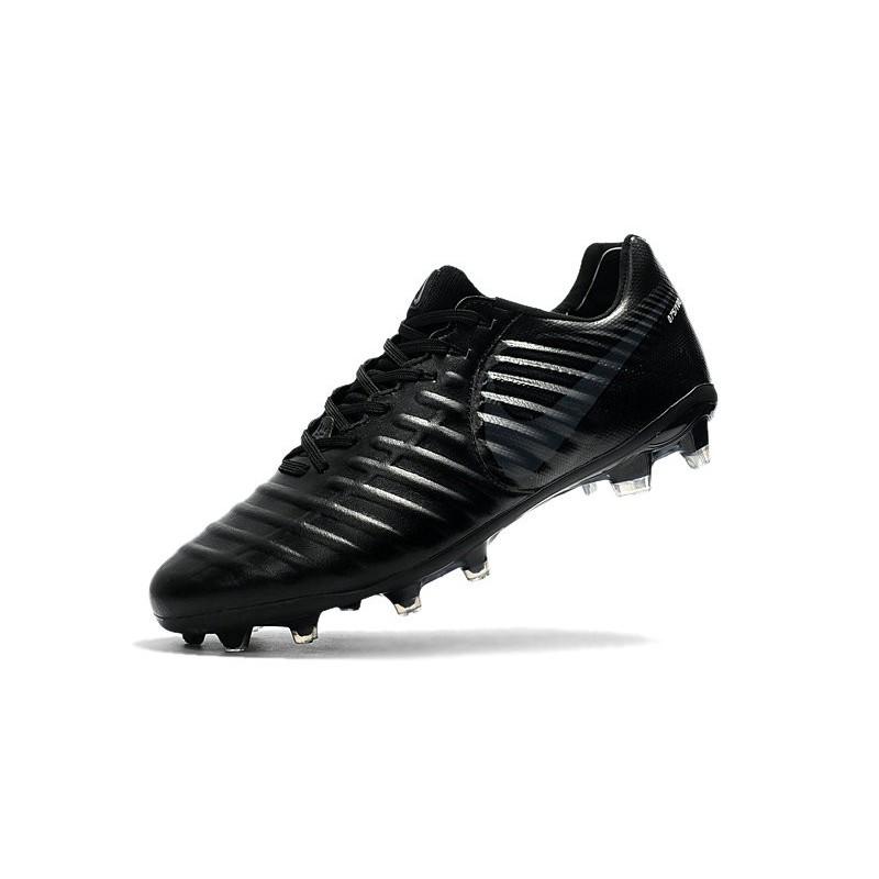huge selection of d0564 c567b Chaussure de Foot Nouvelles Nike Tiempo Legend VII FG Cuir - Tout Noir  Zoom. Précédent. Suivant